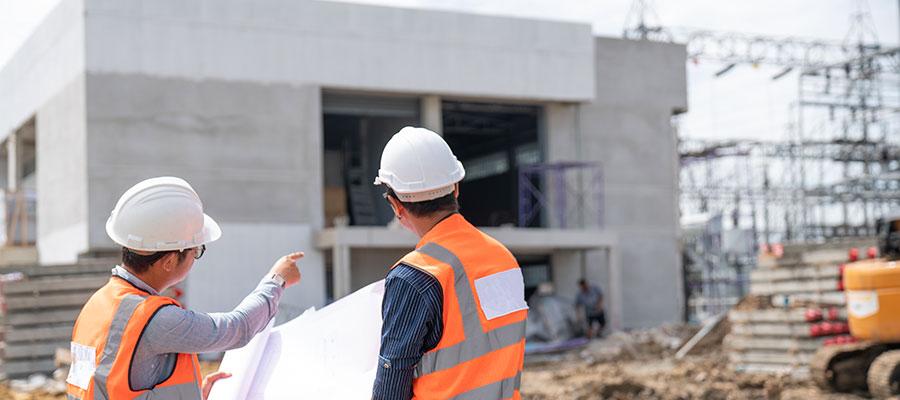 מפקח על בניית בית פרטי